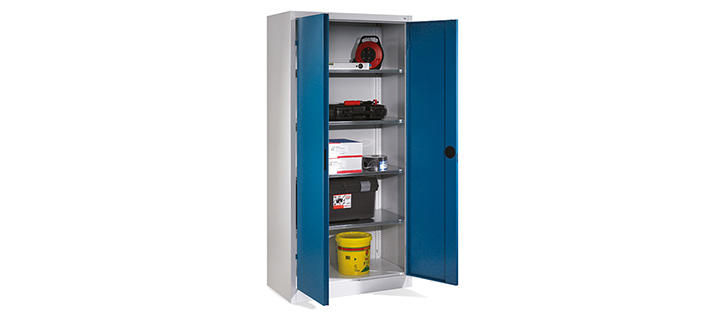 Equipment cabinets with shelves