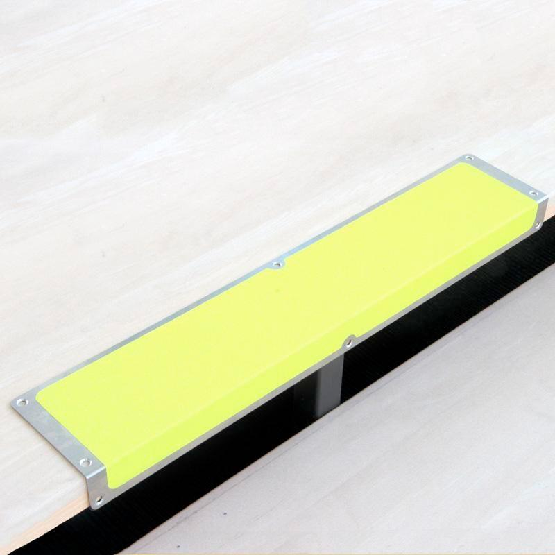 Anti-slip edge profile, aluminium m2, signal colours, yellow, W 1000 mm - 1