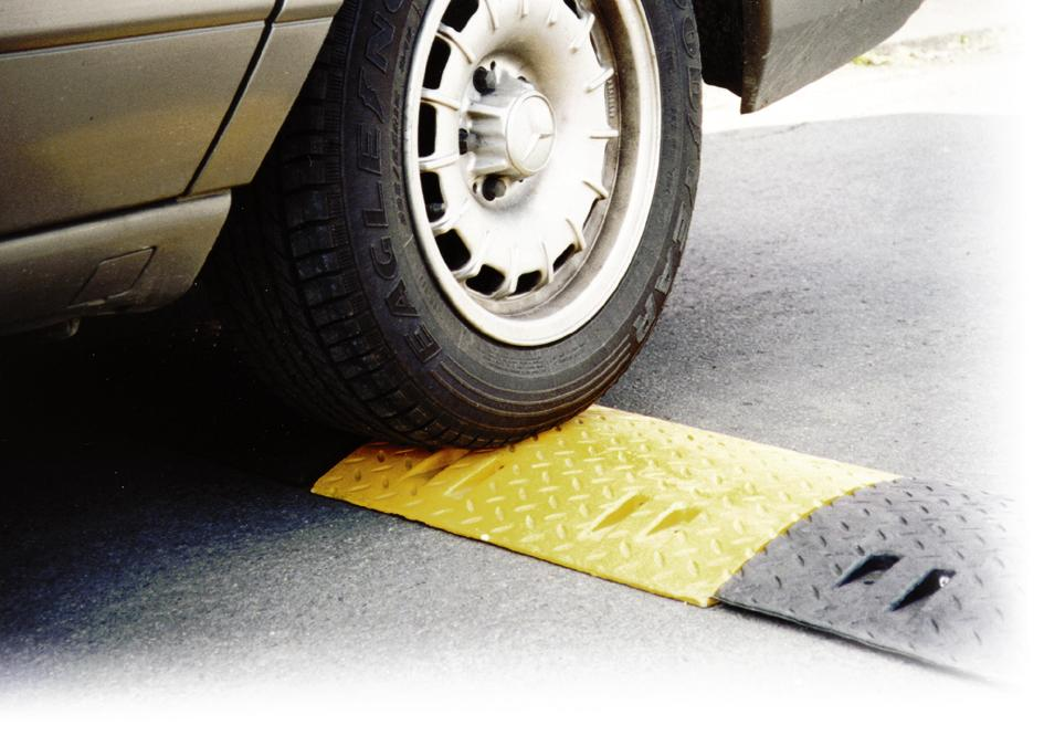Speed ramps, End part, yellow, speed up to 10 km/ h, 75 mm high