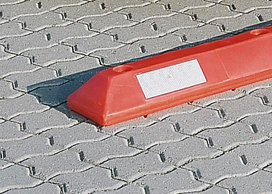 Weather resistant reflectors, for use with parking bay markers PS 9 and PS 18, 10 per pack - 1