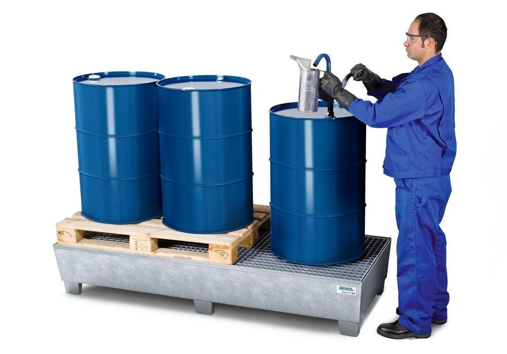 Spill pallet classic-line in steel for 3 drums, galv., accessible underneath with grid, 815x2010x355