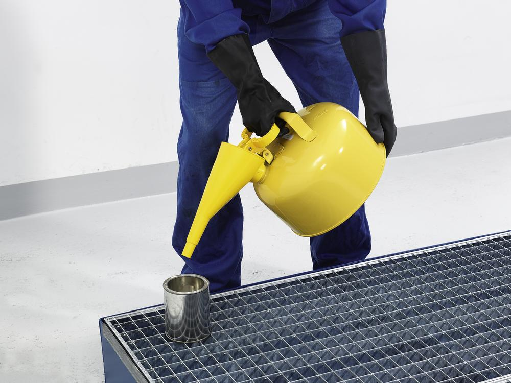 Filling and pouring funnel of polyehtylene (PE), yellow - 1