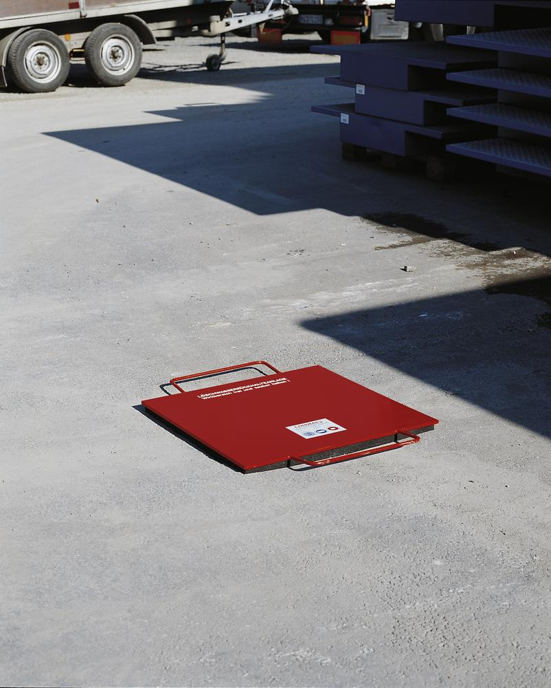 Drain cover model EG 380, manufactured from steel, 750 x 750 mm