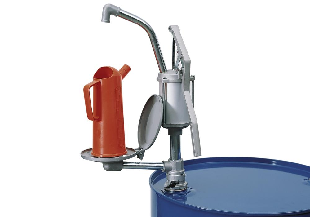 Lever operated aluminium pump for mineral oils and anti-freeze with an attached swivel arm