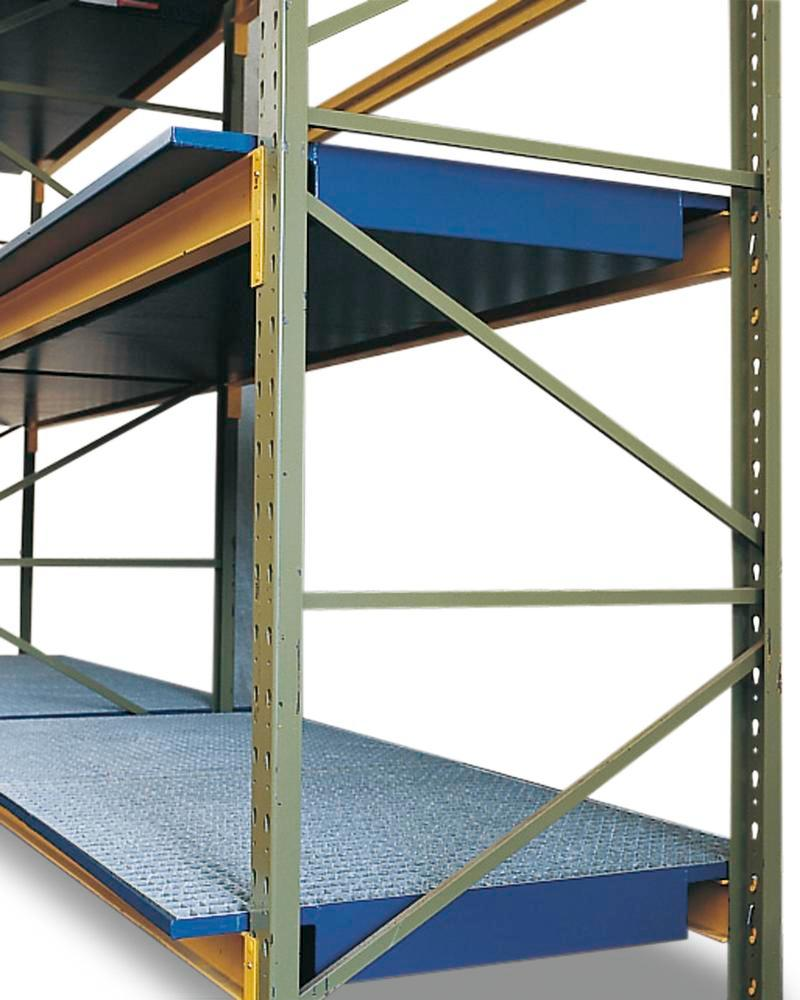 Pallet racking sump SRW 18.8, painted steel, galvanized grid, for 1800mm shelf width, 220 litre