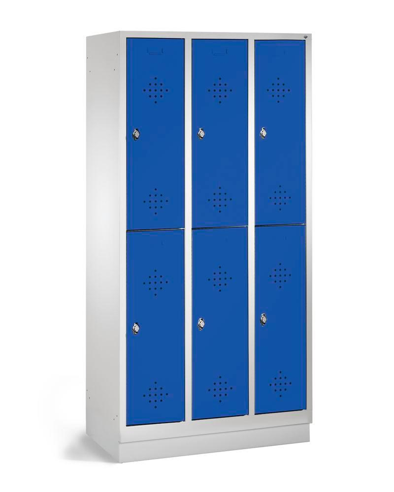 Double locker Cabo, 6 compartments, W 900, D 500, H 1800 mm, with base, doors blue