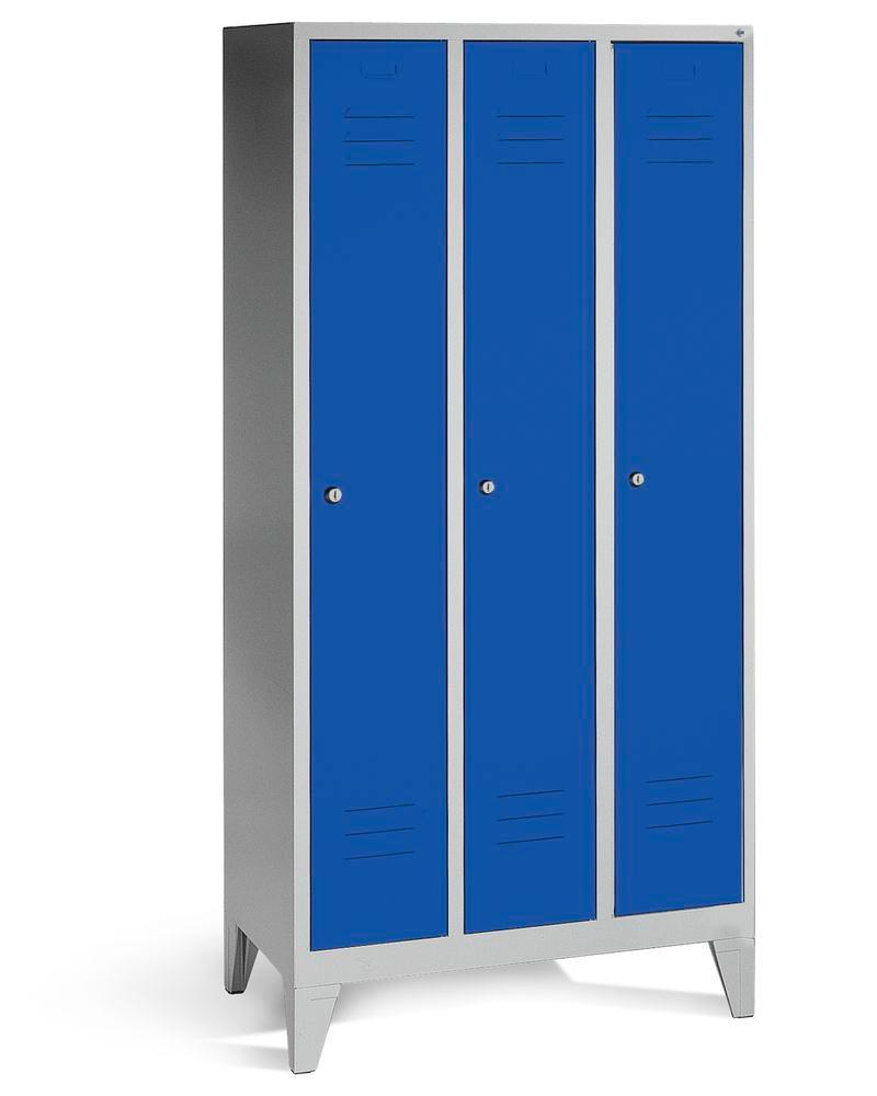 Locker Cabo, 3 compartments, W 900, D 500, H 1850 mm, with feet, grey/doors blue