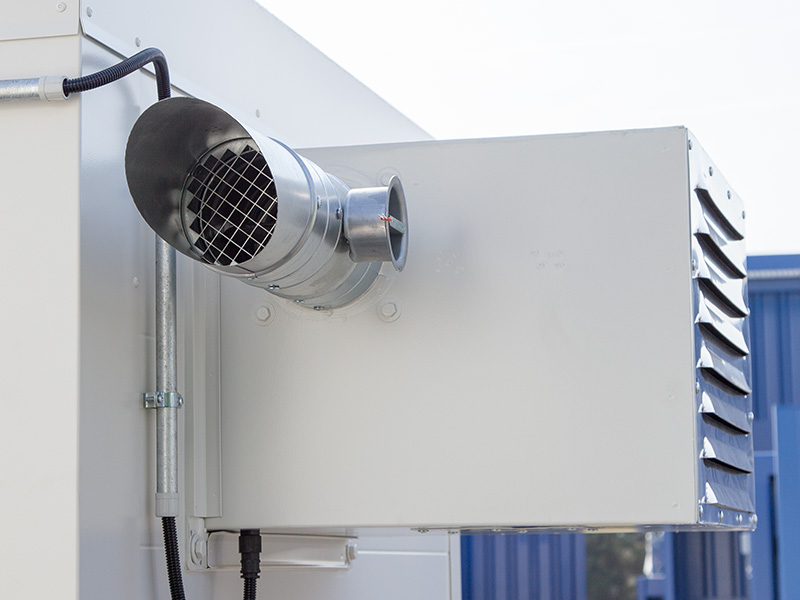 Exhaust air function: When dangerous vapors are generated in the interior, switching to the exhaust air mode enables the removal of the contaminated atmosphere and thus a safe opening of the doors.